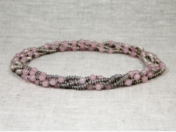 Бусы из розового кварца от Nur