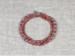 Бусы из розового кварца с различными оригинальными вставками от Nur